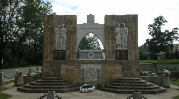 Pomnik w Lubatowej