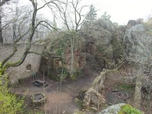 Zamek Bolczów - dziedziniec